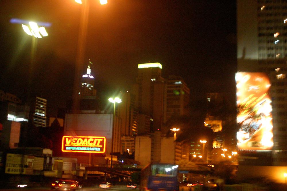 Sao Paulo_SP, Brasil...Transito em Sao Paulo...The traffic in Sao Paulo...Foto: LEO DRUMOND / NITRO