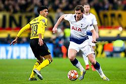 Jan Vertonghen of Tottenham Hotspur takes on Mahmoud Dahoud of Borussia Dortmund - Mandatory by-line: Robbie Stephenson/JMP - 13/02/2019 - FOOTBALL - Wembley Stadium - London, England - Tottenham Hotspur v Borussia Dortmund - UEFA Champions League Round of 16, 1st Leg