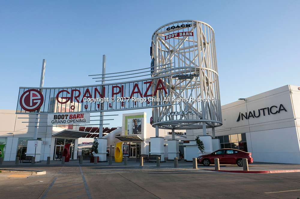 An outlet shopping center in Calexico (the US and Mexico border), California on Wednesday April 19, 2017. (Xinhua/Zhao Hanrong)(Photo by Ringo Chiu/PHOTOFORMULA.com)<br /> <br /> Usage Notes: This content is intended for editorial use only. For other uses, additional clearances may be required.