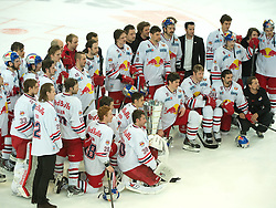 13.04.2014, Eisarena, Salzburg, AUT, EBEL, EC Red Bull Salzburg vs HCB Suedtirol, Finale, best of five, 5. Spiel, im Bild 2.Platz für (EC Red Bull Salzburg, #) und Meister von Österreich // during the Erste Bank Icehockey League 93rd round match, 5th final between EC Red Bull Salzburg vs HCB Südtirol at the Salzburg Icearena, Salzburg, Austria on 2014/04/13. EXPA Pictures © 2014, PhotoCredit: EXPA/ Reinhard Eisenbauer