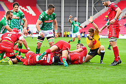 Simone Ferrari of Benetton Treviso scores his sides second try<br /> <br /> Photographer Craig Thomas/Replay Images<br /> <br /> Guinness PRO14 Round 3 - Scarlets v Benetton Treviso - Saturday 15th September 2018 - Parc Y Scarlets - Llanelli<br /> <br /> World Copyright © Replay Images . All rights reserved. info@replayimages.co.uk - http://replayimages.co.uk