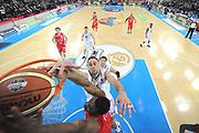 DESCRIZIONE : Torino Coppa Italia Final Eight 2012 Semifinale Montepaschi Siena EA7 Emporio Armani Milano<br /> GIOCATORE : Malik Hairston Tomas Ress<br /> CATEGORIA : special tiro schiacciata scelta mani<br /> SQUADRA : EA7 Emporio Armani Milano<br /> EVENTO : Suisse Gas Basket Coppa Italia Final Eight 2012<br /> GARA : Montepaschi Siena EA7 Emporio Armani Milano<br /> DATA : 18/02/2012<br /> SPORT : Pallacanestro<br /> AUTORE : Agenzia Ciamillo-Castoria/C.De Massis<br /> Galleria : Final Eight Coppa Italia 2012<br /> Fotonotizia : Torino Coppa Italia Final Eight 2012 Semifinale Montepaschi Siena EA7 Emporio Armani Milano<br /> Predefinita :