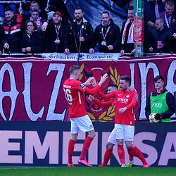 Jubel nach dem 2:1: v.li: Janik Jay BACHMANN (1. FC Kaiserslautern) , Hikmet CIFTCI (1. FC Kaiserslautern) und Torschütze Christian KÜHLWETTER (1. FC Kaiserslautern) beim Spiel in der 3. Liga, 1. FC Kaiserslautern - SV Meppen.<br /> <br /> Foto © PIX-Sportfotos *** Foto ist honorarpflichtig! *** Auf Anfrage in hoeherer Qualitaet/Aufloesung. Belegexemplar erbeten. Veroeffentlichung ausschliesslich fuer journalistisch-publizistische Zwecke. For editorial use only. DFL regulations prohibit any use of photographs as image sequences and/or quasi-video.