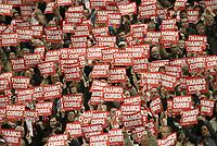 Photo: Aidan Ellis.<br /> Manchester United v Charlton Athletic. The Barclays Premiership. 07/05/2006.<br /> Charlton fans show there appreciation for Alan Curbishley