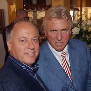 Modeshow Sheila de Vries,  Joop Braakhekke en Tom, de man van Sheila