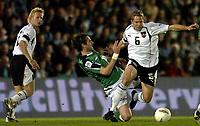 Fotball<br /> VM-kvalifisering<br /> Nord Irland v Østerrike<br /> Belfast<br /> 13. oktober 2004<br /> Foto: Digitalsport<br /> NORWAY ONLY<br /> Andreas Ibertsberger (AUT), James Quinn (NIR), Markus Kiesenebner (AUT)