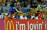Stadio Jose Alvalade LISBON PORTUGAL 14/06/04  SWEDEN V BULGARIA (5-0) EURO 2004<br />FREDDIE LJUNGBERG (SWEDEN) CELEBRATES VICTORY<br />Photo Roger Parker Fotosports International
