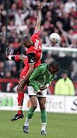 Fotball<br /> Frankrike 2004/05<br /> Rennes v Saint Etienne<br /> 17. april 2005<br /> Foto: Digitalsport<br /> NORWAY ONLY<br /> ABDESLAM OUADDOU (REN) / FREDEDRIC PIQUIONNE (ST-E)