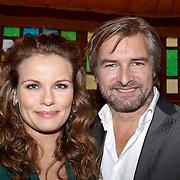 NLD/Hilversum/20111208-  Tros Winterparade, Angela Schijf en Victor Reinier