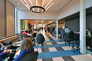 Nederland, Nijmegen, 30-11-2019Grote verbouwing, renovatie en herinrichting van het 100-jarige concertgebouw de Vereeniging is voltooid . Architect was Oscar Leeuw en er zijn veel elementen uit de art deco en art nouveau in verwerkt. Dit podium wordt door musici geroemd vanwege zijn uitstekende akoestiek, beter nog dan van het concertgebouw in AmsterdamInterieur van de vernieuwde Vereeniging. De ornamenten in de zaal zijn in de originele kleur geschilderd, de akoestiek is weer terug op het hoge niveau  middels subtiele aanpassingen en de hal, lobby, foyer is helemaal omgegooid en geintergreerd met het grand cafe erachter. De artiestenfoyer en kleedkamers zijn nieuw aan de achterzijde aangebouwd.Foto: Flip Franssen