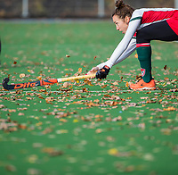 TILBURG  - hockey-  Floor van Dongen (MOP),  herfst  tijdens de wedstrijd Were Di-MOP (1-1) in de promotieklasse hockey dames. COPYRIGHT KOEN SUYK