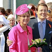NLD/Thorn/20110430 - Koninginnedag 2011 in Thorn, constantijn en partner Laurentien Brinkhorst