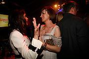 Terri Hatcher and Jo Elvin, Glamour Women of the Year Awards 2006, Berkeley Sq. London. 6 June 2006. -DO NOT ARCHIVE-© Copyright Photograph by Dafydd Jones 66 Stockwell Park Rd. London SW9 0DA Tel 020 7733 0108 www.dafjones.com