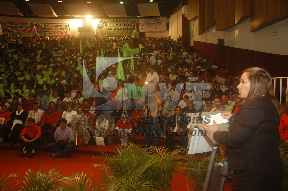 """Toluca, Mex.-  Yetzabel Ximénez Esparza, secretaria gral. del CDE, durante el """"1er. Aniversario del Proyecto Político Mexiquense"""" del PRI.  Agencia MVT / Luis Enrique Hernandez V. (DIGITAL)<br /> <br /> <br /> <br /> NO ARCHIVAR - NO ARCHIVE"""