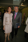 U.S. Ambassador Robert Holmes Tuttle and his wife, EXHIBITION OF WORK BY THOMAS DEMAND ( SUPPORTED BY WALLPAPER) AT THE SERPENTINE GALLERY AND AFTERWARDS AT THE Rochelle Canteen, Rochelle School<br />Arnold Circus. London E2. 5 JUNE 2006. ONE TIME USE ONLY - DO NOT ARCHIVE  © Copyright Photograph by Dafydd Jones 66 Stockwell Park Rd. London SW9 0DA Tel 020 7733 0108 www.dafjones.com