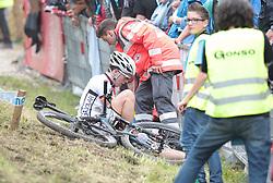 01.06.2014, Bullentaele, Albstadt, GER, UCI Mountain Bike World Cup, Cross Country Herren, im Bild Lysander Kiesel Deutschland nach einem Sturz // during Mens Cross Country Race of UCI Mountainbike Worldcup at the Bullentaele in Albstadt, Germany on 2014/06/01. EXPA Pictures © 2014, PhotoCredit: EXPA/ Eibner-Pressefoto/ Langer<br /> <br /> *****ATTENTION - OUT of GER*****