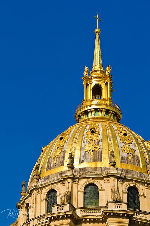 Gold dome on the Chapel of Saint-Louis (burial site of Napoleon), Les Invalides, Paris, France