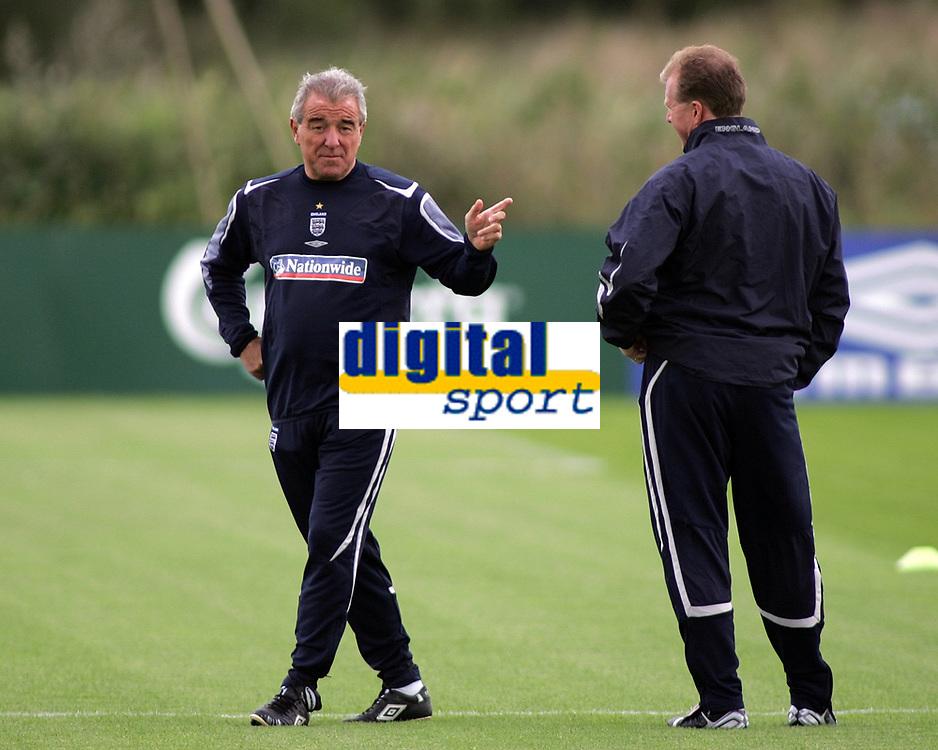 Photo: Paul Thomas.<br /> England training at Carrington. 30/08/2006. <br /> <br /> Terry Venables (L) and Steve McClaren.