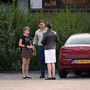 Chantal Loenen Liojsterbeslaan 7 Zegveld, vriendin Xander de Buisonje, met vader en zus