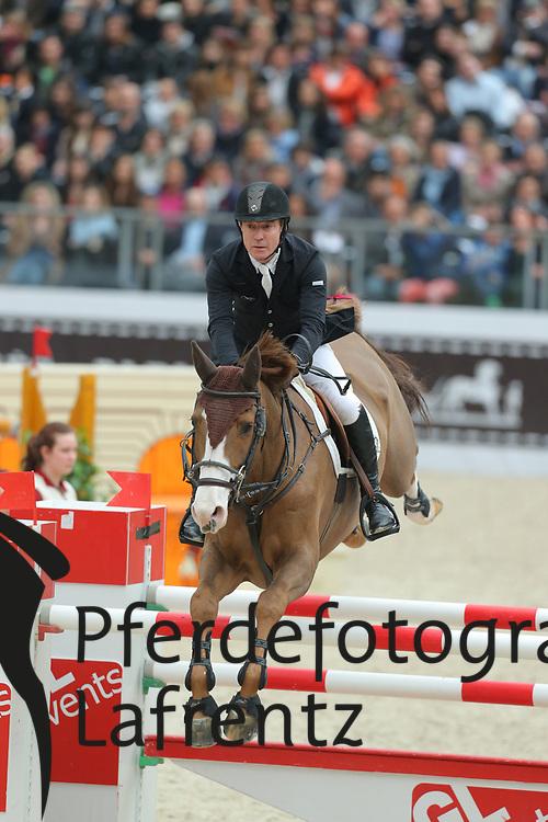 Whitaker, Michael, Viking<br /> Paris - Saut Hérmes 2013<br /> © www.sportfotos-lafrentz.de/Stefan Lafrentz