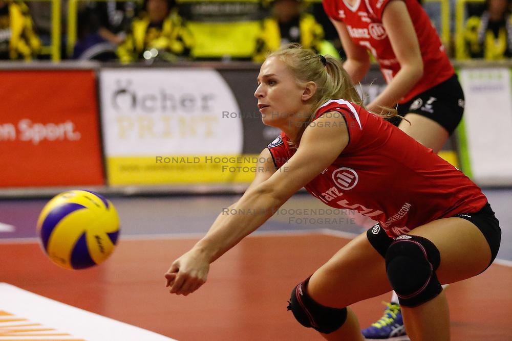20161106 DUI: Bundesliga, Ladies in Black Aachen - MTV Allianz Stuttgart: Aachen<br />Kim Renkema (5) of Allianz MTV Stuttgart <br />©2016-FotoHoogendoorn.nl / Pim Waslander
