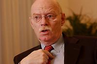 15 JAN 2003, BERLIN/GERMANY:<br /> Peter Struck, SPD, Bundesverteidigungsminister, waehrend einem Interview, in seinem Buero, Bundesministerium der Verteidigung<br /> Peter Struck, Federal Minister of Defense, during an interview, in his office<br /> IMAGE: 20030115-04-034