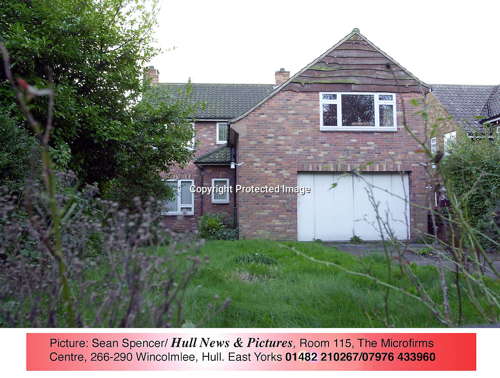 6 NOVEMBER 2001<br /><br />105 NEWLAND PARK, HULL, EAST YORKS, WHERE POET PHILIP LARKIN LIVED UNTIL HIS DEATH. IT IS UP FOR SALE FOR THE FIRST TIME.<br />Picture by Sean Spencer/Hull News & Pictures<br />07976 433960