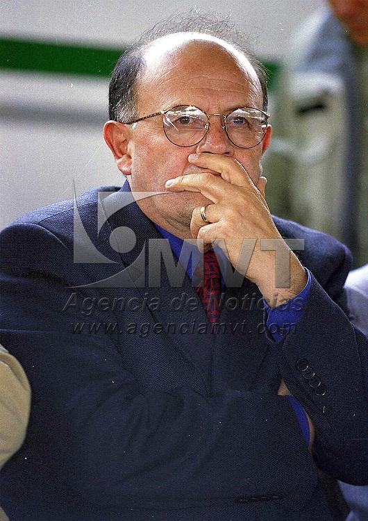 Tianguistenco, Méx.- Alfredo Valencia Monterrubio, Director de Ventas de la compañia Mercedes Benz. Agencia MVT / Mario Vázquez de la Torre.