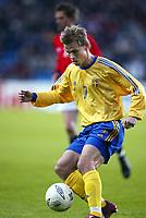 Fotball, 17. april 2002. Landskamp herrer, Norge v Sverige (Norway v Sweden 1-1), Ullevaal stadion. Niclas Alexandersson, Sverige.