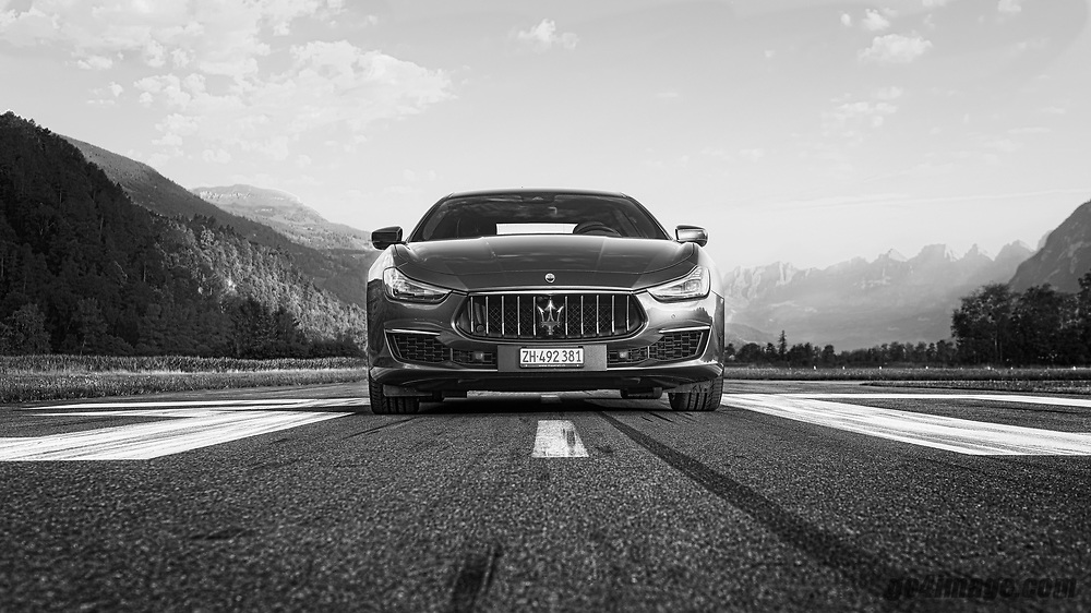 Maserati Ghibli Gran Lusso SQ4, photographed on the airfiel in Bad Ragaz Switzerland by Jürg Kaufmann