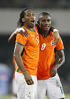 Fotball<br /> Afrika-mesterskapet 2008<br /> Foto: DPPI/Digitalsport<br /> NORWAY ONLY<br /> <br /> FOOTBALL - AFRICAN CUP OF NATIONS 2008 - QUALIFYING ROUND - GROUP B - 21/01/2008 - NIGERIA v IVORY COAST -  SALOMON KALOU (IVO) CELEBRATES HIS GOAL WITH DIDIER DROGBA<br /> <br /> Nigeria v Elfenbenskysten