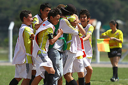 Lance da partida entre Canas FC x 100% F C válida pela Copa Coca-Cola 2013 no complexo Esportivo Aldo Silva, em Florianópolis. Foto: Cristiano Estrela/Preview.com