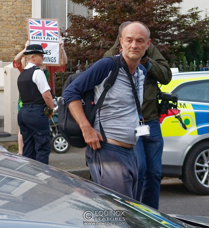 London, United Kingdom - 26 May 2020<br /> Boris Johnsons political advisor Dominic Cummings arriving home. The scene at Dominic Cummings home in North London today where two or three supporters turned up to support of him as he arrived home. Islington, London, England, UK.<br /> **VIDEO AVAILABLE**<br /> (photo by: JKM / EQUINOXFEATURES.COM)<br /> Picture Data:<br /> Photographer: JKM / Equinox Features<br /> Copyright: ©2020 Equinox Licensing Ltd. +443700 780000<br /> Contact: Equinox Features<br /> Date Taken: 20200526<br /> Time Taken: 20262824<br /> www.newspics.com