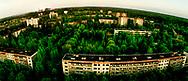 Pripyat, med værket i horisontenen