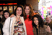 Premiere van Nanny McPhee in Tuschinski Amsterdam in aanwezigheid van Emma Thompson en Colin Firth .<br /> <br /> Premiere of Nanny McPhee in Tuschinski Amsterdam in the presence of Emma Thompson and Colin Firth<br /> <br /> Op de foto / On the photo:<br /> <br /> Quinty trustfull