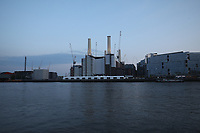 battersea london during lockdown photo by Roger Alarcon