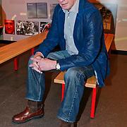 NLD/Amsterdam/20110221 - Boekpresentatie De Sportcanon, voetballer Rob Rensenbrink