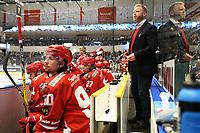 GET-ligaen Ice Hockey, 27. october 2016 ,  Stavanger Oilers v Stjernen<br /> Jörgen Wahlberg fra Stjernen mot Stavanger Oilers<br /> Foto: Andrew Halseid Budd , Digitalsport