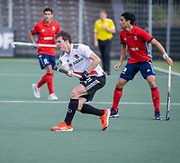 AMSTELVEEN -  Fergus Kavanagh (Amsterdam)  tijdens de hockey hoofdklasse competitiewedstrijd  heren, Amsterdam-HC Tilburg (3-0).  COPYRIGHT KOEN SUYK