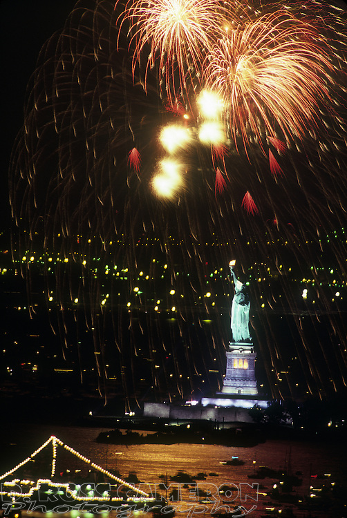Fireworks explode over the Statue of Liberty during its centennial celebration, Friday, July 4, 1986, in New York. (Photo by D. Ross Cameron)