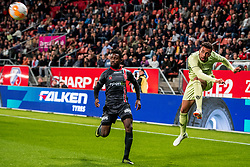 27-09-2018 NED: FC Utrecht - MVV Maastricht, Utrecht<br /> First round Dutch Cup stadium Nieuw Galgenwaard / <br /> Leon Guwara #5 of FC Utrecht, Asumah Abubakar #29 of MVV
