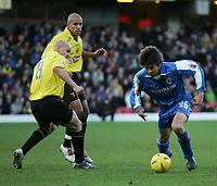 Fotball<br /> Championship England 2004/05<br /> Watford v Cardiff<br /> 28. desember 2004<br /> Foto: Digitalsport<br /> NORWAY ONLY<br /> junichi inamoto takes on gavin mahon
