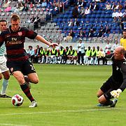 NLD/Amsterdam/20070802 - LG Amsterdams Tournament 2007, Lazio Roma - Arsenal, Nicklas Berdtner scoort zijn doelpunt
