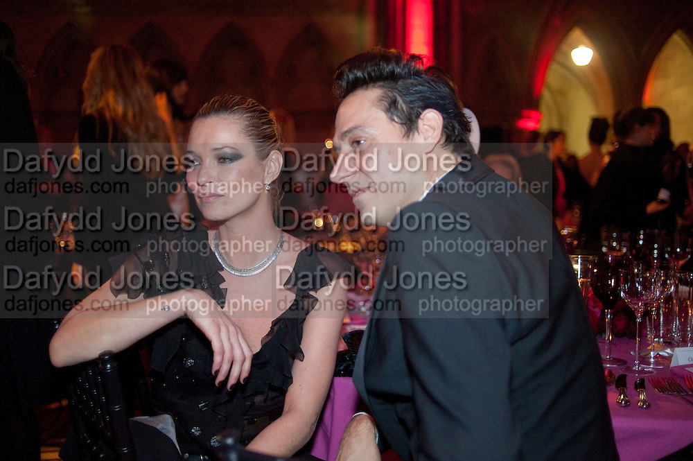 KATE MOSS; JAMIE HINCE, British Fashion awards 2009. Supported by Swarovski. Celebrating 25 Years of British Fashion. Royal Courts of Justice. London. 9 December 2009
