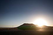 De Glow Worm met Tom Amick en Phil Plath op de zesde racedag van de WHPSC. In de buurt van Battle Mountain, Nevada, strijden van 10 tot en met 15 september 2012 verschillende teams om het wereldrecord fietsen tijdens de World Human Powered Speed Challenge. Het huidige record is 133 km/h.<br /> <br /> The Glow Worm with Tom Amick and Phil Plath on the sixth day of the WHPSC. Near Battle Mountain, Nevada, several teams are trying to set a new world record cycling at the World Human Powered Vehicle Speed Challenge from Sept. 10th till Sept. 15th. The current record is 133 km/h.