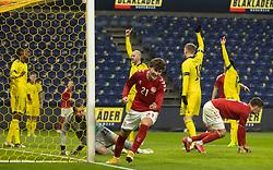 Målscorer Jonas Wind (Danmark) klar til jubel efter scoringen til 1-0 under venskabskampen mellem Danmark og Sverige den 11. november 2020 på Brøndby Stadion (Foto: Claus Birch).