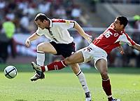 Fotball, 17. juni 2004, EM, Euro 2004, Sveits- England, Wayne Rooney (ENG), Fabio Celestini (SUI)<br /> <br /> Foto: Digitalsport