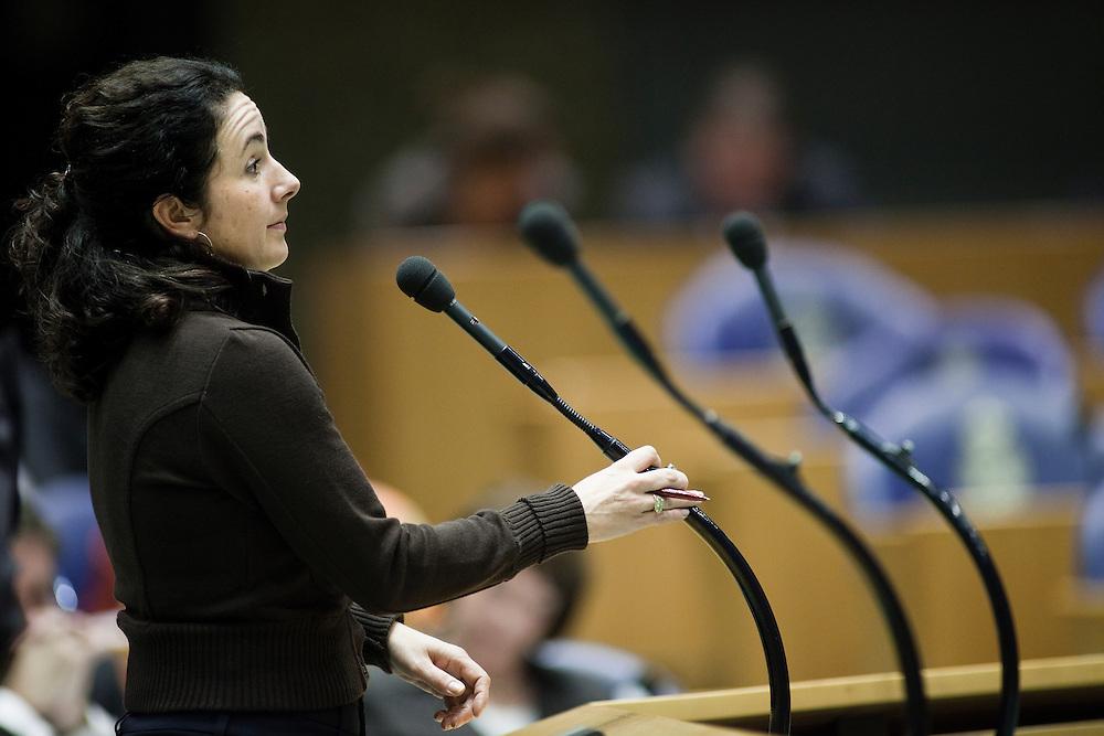 Nederland. Den Haag, 18 februari 2009.<br /> Femke Halsema tijdens het debat over de kredietcrisis in de Tweede Kamer. <br /> Foto Martijn Beekman<br /> NIET VOOR PUBLIKATIE IN LANDELIJKE DAGBLADEN.