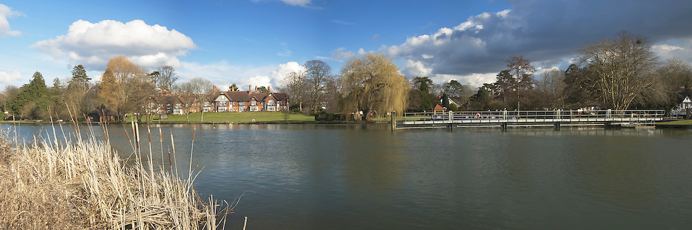 Panoramic view of River Thames upstream of Goring weir in Oxfordshire