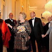 NLD/Amsterdam/20101128 - Opening Delamar theater, onthulling beeld door Koninging Beatrix in de hal